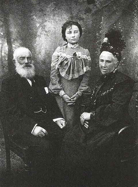 Edward and Maria Gee Golding with wife Rebecca Ann Taylor and daughter Priscilla Golding